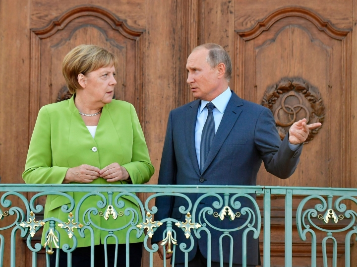 Saksan iittokansleri Angela Merkel ja Venäjän presidentti Vladimir Putin Saksassa vuonna 2019. LEHTIKUVA / AFP