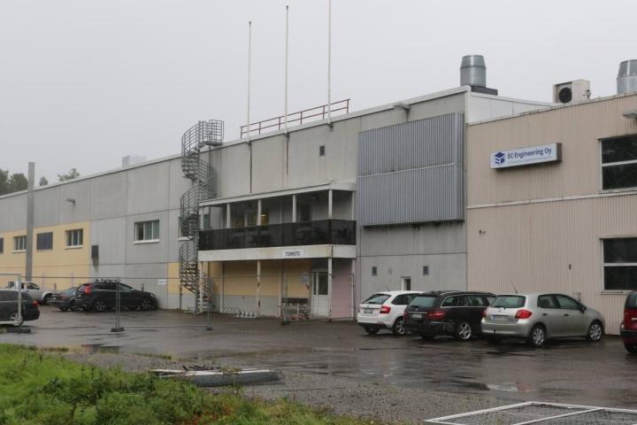 EC-Engineering vaihtoi nimensä toukokuussa Lico Oy:ksi. Lakkautettavan tehtaan seinässä lukee yhä yhtiön vanha nimi.