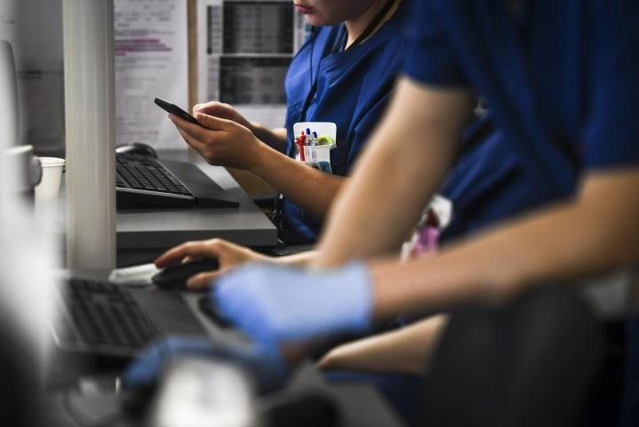 TEMin mukaan eniten rekrytointiongelmia olisosiaali- ja terveysaloilla. LEHTIKUVA / EMMI KORHONEN