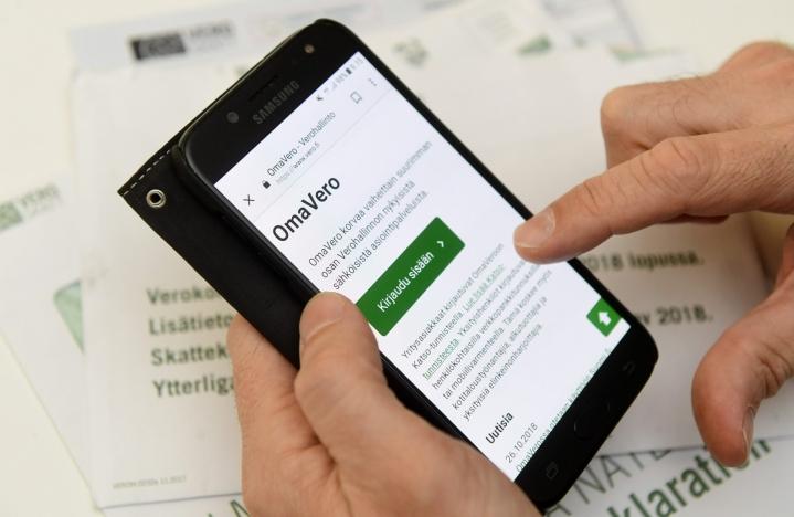 Tarvittaessa uuden verokortin voi tehdä esimerkiksi netin OmaVero-palvelussa. LEHTIKUVA / VESA MOILANEN