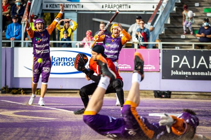 Joensuun Maila ja lukkari Ville Väliaho nousivat toisella jaksolla takaa rinnalle ja ohi venyttäen ottelun supervuoropariin, jossa Sotkamon Jymy kuitenkin syöksyi lopulta ottelun voittoon.
