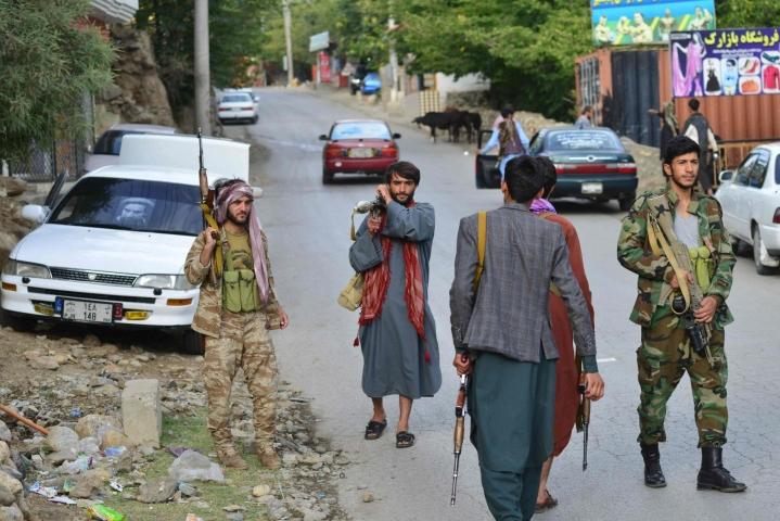 Talebanin voitto on luonut myös pelkoja siitä, millaiseksi naisten ja tyttöjen asema muodostuu Afganistanissa. LEHTIKUVA/AFP
