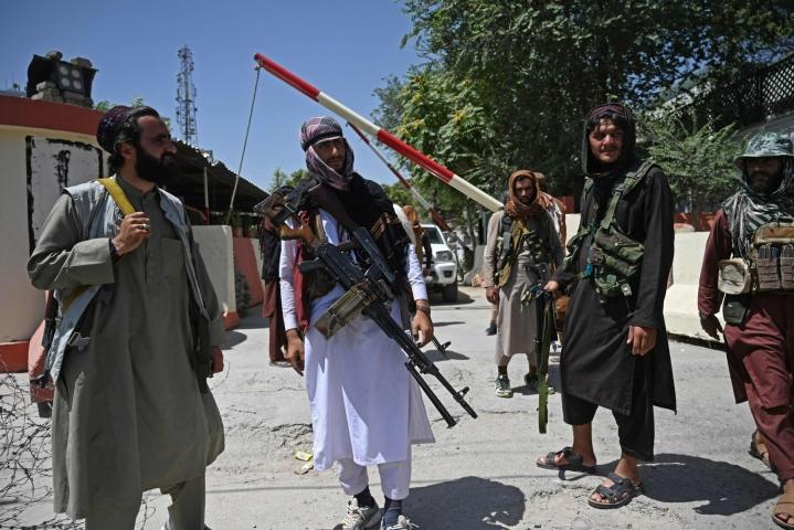 Venäjän ja Kiinan suurlähetystöjen on tarkoitus jatkaa toimintaansa, vaikka Talebanin taistelijat valtasivat Kabulin. LEHTIKUVA/AFP