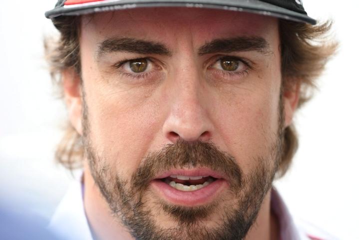 Heinäkuussa 40 vuotta täyttänyt Alonso on kerännyt 38 ja ranskalaistallitoveri Esteban Ocon 39 pistettä. LEHTIKUVA/AFP