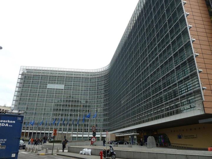 Euroopan komission päärakennus Berlaymont sijaitsee Brysselissä.