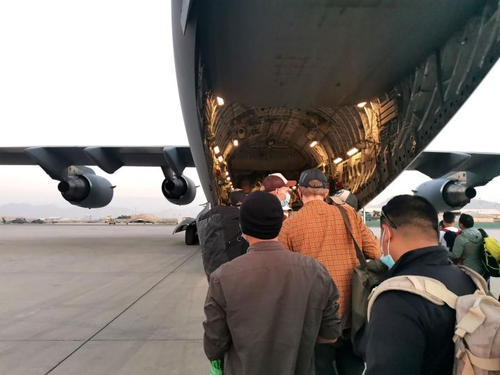 Ulkoministeriön jakama päiväämätön kuva ulkoministeriön ja Puolustusvoimien evakuointioperaatiosta Afganistanissa. Lehtikuva/ handout / ulkoministeriö