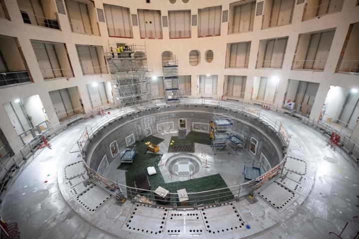 Fuusio on yksi kahdesta erilaisesta ydinreaktiosta. Ranskassa rakennettiin kokeellista ITER-fuusioreaktoria heinäkuussa 2020.  LEHTIKUVA/AFP