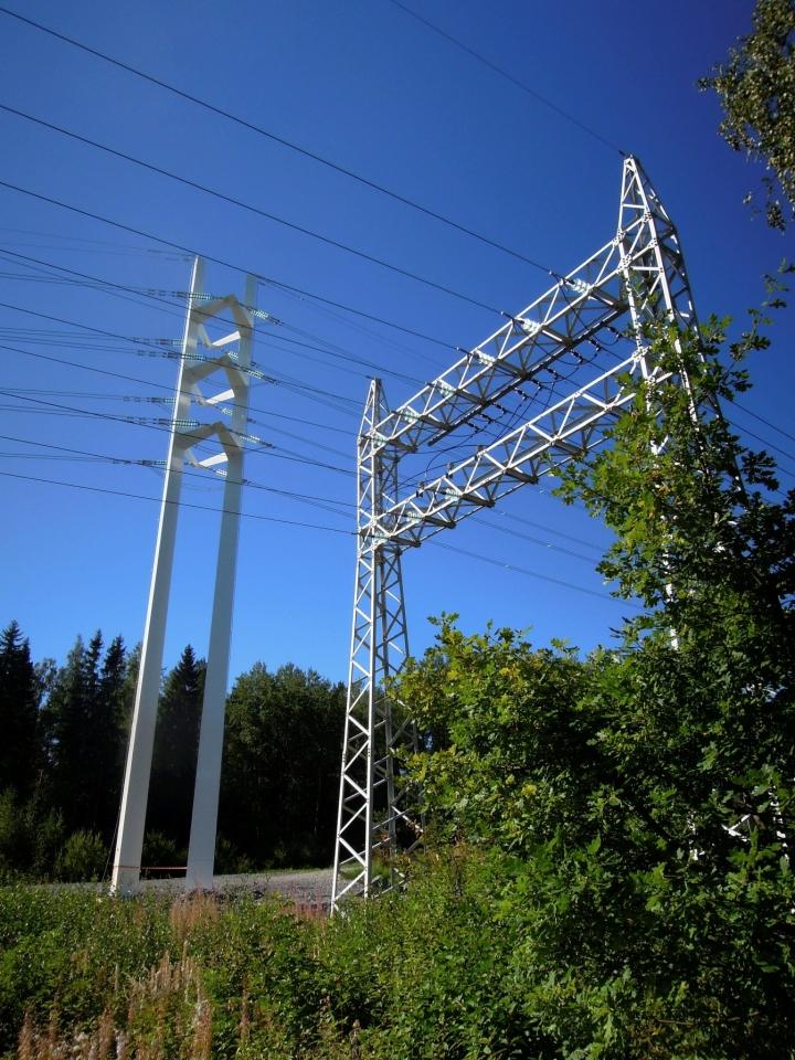 Kuluttaja-asiamiehen esityksen mukaan sähkön ennakkolaskutus tulisi kieltää kokonaan, sillä sen varjolla kuluttajilta on peritty ylisuuria ennakkomaksuja, ja ylimääräisten rahojen palautuksissa on ollut pitkiä viiveitä ja paljon epäselvyyksiä. LEHTIKUVA / Ritva Siltalahti