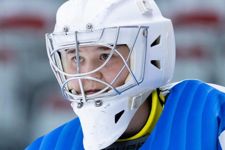 Maalivahti Anni Keisala torjui ottelussa ensimmäisen nollapelinsä MM-tasolla. LEHTIKUVA / HANDOUT / SUOMEN JÄÄKIEKKOLIITTO