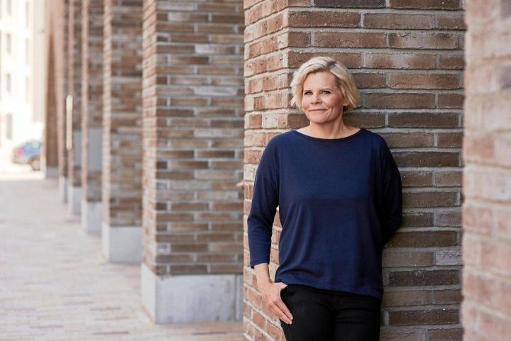 Paula Norosella on työn alla uudet kirjat niin Supermarsu- kuin Yökoulu-lastenkirjasarjaan, samoin kolmas kirja Tarja Kulhosta. Supermarsu 2 -elokuva saa ensi-iltansa lokakuussa ja Noronen itse nähdään taas Penkinlämmittäjissä syyskuussa MTV3:lla.