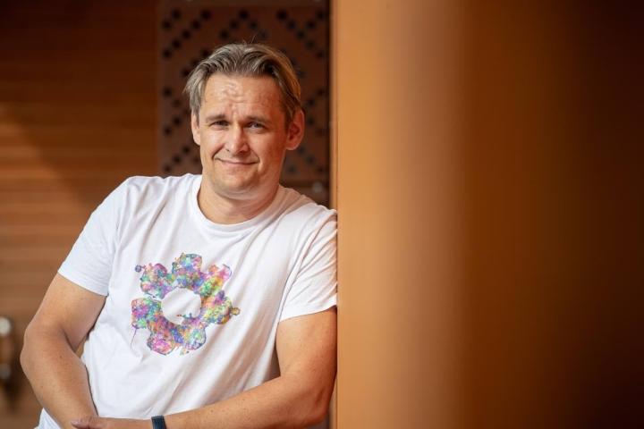 Suomen vanhimman peliyrityksen Housemarquen toimitusjohtaja Ilari Kuittinen käy lapsuudenkaupungissaan Joensuussa kerran tai kaksi vuodessa.