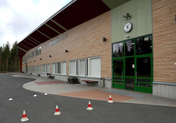 Viimeisimmissä vaaleissa Kontioniemen äänestyspaikkana on ollut uusi koulu.