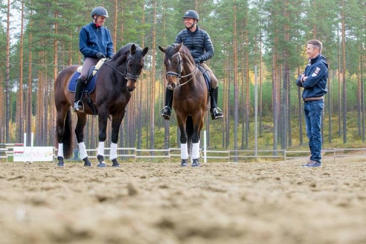 Jukka Martikainen (vas.), Antti Heikkilä ja Tero Kortelainen kuvattuna Lehmon Jokirannassa vuonna 2015. Martikainen ja Kortelainen onnistuivat hienosti viikonlopun kisoissa.