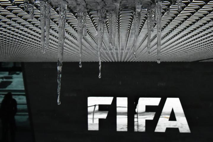 Varojen palautusten takana on ajatus, että Fifa on ollut omassa korruptioskandaalissaan myös uhri. LEHTIKUVA / AFP