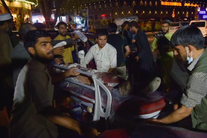 Äärijärjestö Isisin Afganistanin haara teki torstaina pommi-iskun Kabulin kentän läheisyydessä. Iskussa kuoli 13 Yhdysvaltain sotilasta ja ainakin 60 afganistanilaista. LEHTIKUVA/AFP