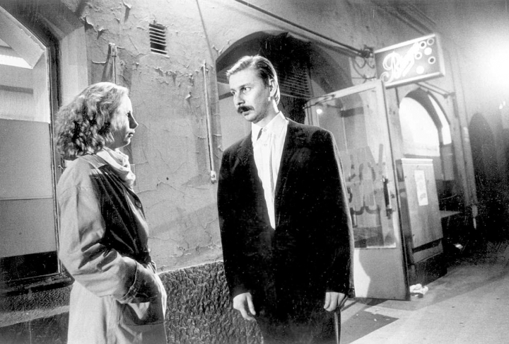 Varjoja paratiisissa -elokuvan (1986) myötä Kati Outinen tunsi löytäneensä sielunkumppaninsa näyttelijänä: Matti Pellonpään (1951-1995).