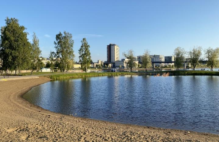 Ilosaaren laguuni aurinkoisena päivänä 10. elokuuta tänä vuonna.