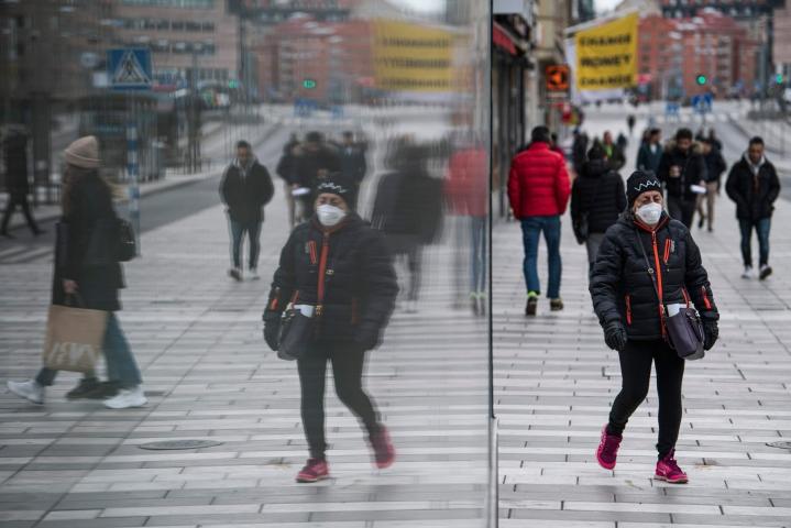 Ulkomaalaissyntyiset ja heidän lapsensa ovat Ruotsissa 2,5–3 kertaa yleisemmin epäiltynä rikoksista kuin ruotsalaissyntyiset, joiden vanhemmat ovat myös syntyperäisiä ruotsalaisia. LEHTIKUVA / AFP