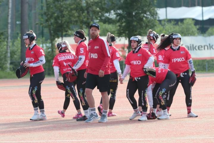 JoMan naisten joukkue on joutunut karanteeniin ja käymään koronavirustesteissä. Joukkue joutuu jättämään pääsarjaotteluja väliin runkosarjan lopulla.