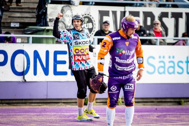 Aleksi Rautiainen löi neljä juoksua, joista kolme avausjaksolla.