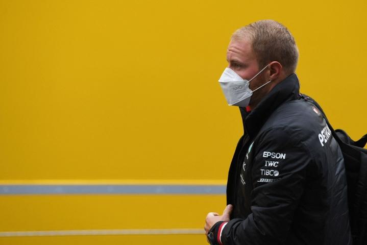 Mercedeksen Valtteri Bottas palasi formula ykkösten kesätauolta kärkivauhtiin, kun suomalaiskuski kaasutteli ykköseksi Belgian gp:n ensimmäisissä harjoituksissa. LEHTIKUVA/AFP