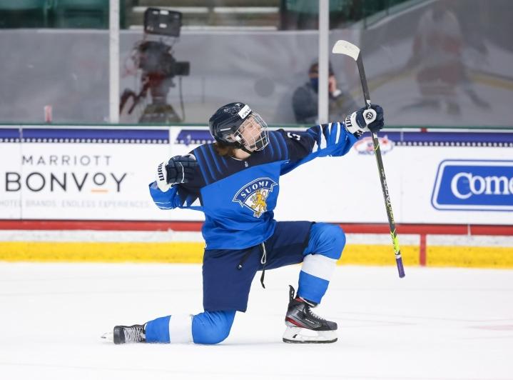 Aleksi Heimosalmi pärjäsi alle 18-vuotiaiden MM-kisoissa mainiosti. LEHTIKUVA / CHRIS TANOUYE / IMAGES ON ICE