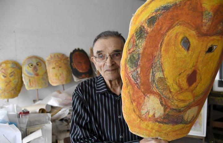 Helsingissä vuonna 1928 syntynyt Wardi tuli tunneksi rohkeasti värien käytöstä. Lehtikuva / Markku Ulander