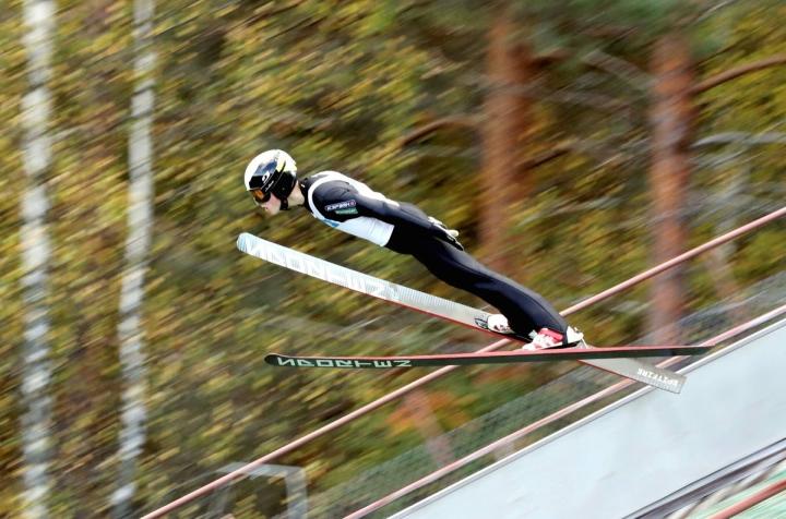 Arsi Tietäväinen onnistui hypyissään Saksassa. Tietäväinen kuvattuna Kiteen Hutsissa syksyllä 2018.