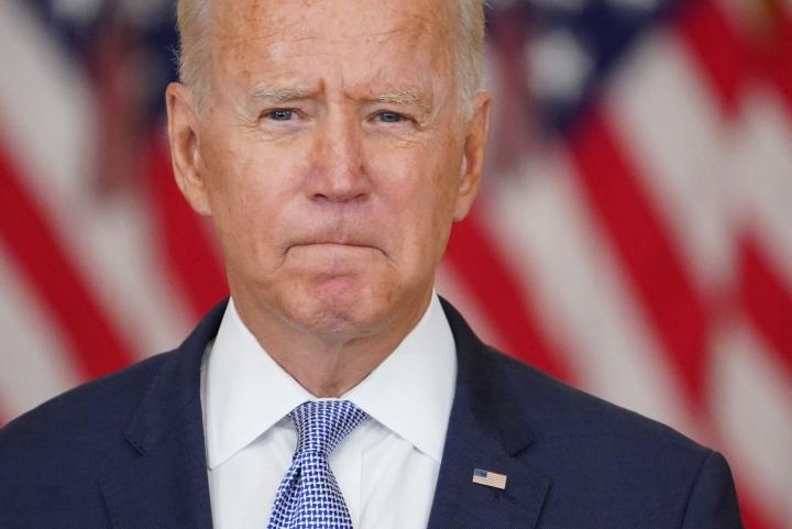 Lomansa keskeyttänyt Yhdysvaltain presidentti Joe Biden pitää tänään puheen katastrofiksi äityneestä Afganistanin tilanteesta Valkoisessa talossa. LEHTIKUVA/AFP