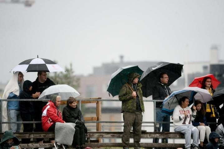 Sateita tulee tänään lähes koko maassa. LEHTIKUVA / MIKKO STIG