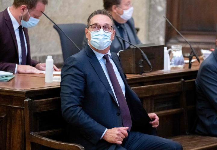Strache on pitänyt kiinni syyttömyydestään ja sanonut olevansa salaliiton uhri. LEHTIKUVA/AFP
