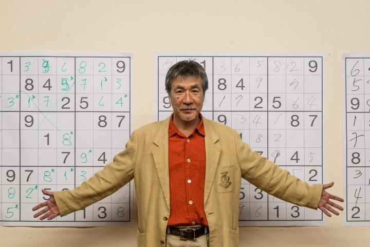 Viime tiistaina kuollut Maki Kaji nosti elämänsä aikana sudoku-logiikkapelit suursuosioon. Kuva on vuodelta 2012. LEHTIKUVA/AFP