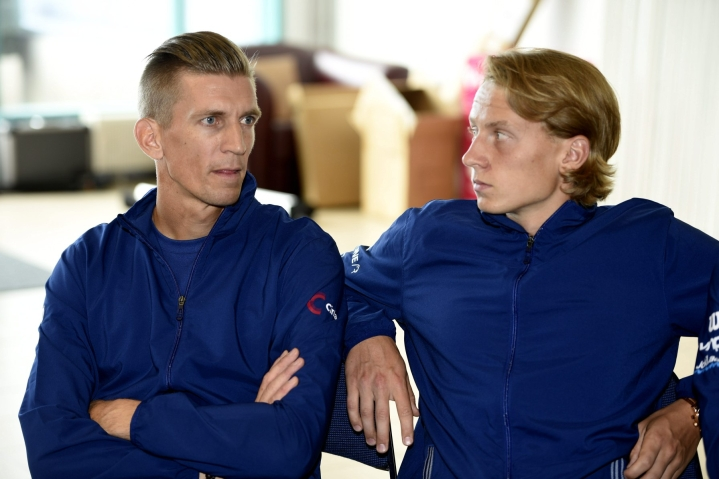 Kapteeni Jarkko Nieminen (vas.) on valinnut joukkueeseen muun muassa Emil Ruusuvuoren. Arkistokuva. LEHTIKUVA / Martti Kainulainen