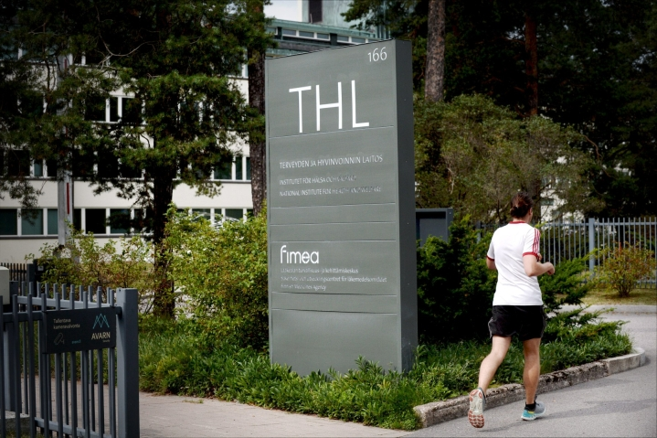 Kahdessa viikossa Suomessa on todettu yli 10 000 koronatartuntaa. LEHTIKUVA / MIKKO STIG