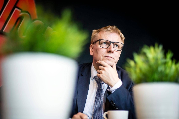 Geologian tutkimuskeskuksen uusi pääjohtaja Kimmo Tiilikainen ei ota kaivoslain valmisteluun vahvasti kantaa.