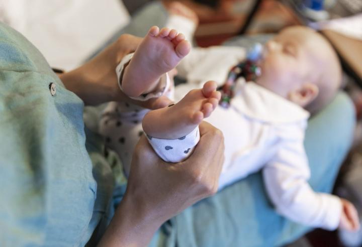 Lapsia syntyi Suomessa tammi-heinäkuussa liki 30 000. LEHTIKUVA / IRENE STACHON