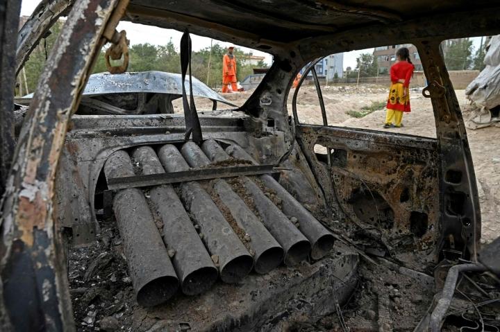 Yhdysvaltalaisviranomaisten mukaan lentokenttää kohden ammuttiin viisi rakettia. LEHTIKUVA / AFP