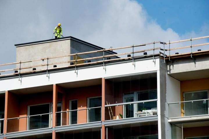 Rakentamisen luottamus nousi plussan puolelle ensimmäistä kertaa koronakriisin aikana. LEHTIKUVA / Mikko Stig