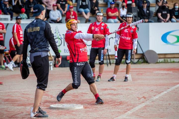 Paikallispelissä JoMaa vastaan lyövän Joni Lehikoisen ranne murtui sunnuntaina pelatussa voitokkaassa kotiottelussa Kankaanpään Mailaa vastaan.