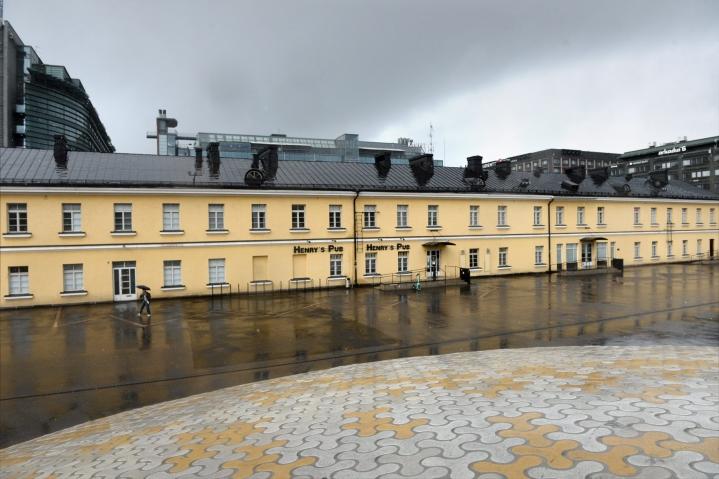Uusi elokuvateatteri rakennetaan Lasipalatsinaukiolla sijaitsevaan empire-rakennukseen, joka on toiminut aiemmin muun muassa linja-autoasemana. LEHTIKUVA / Mikko Stig