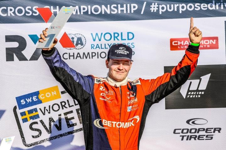 Kallio teki suomalaista rallicrosshistoriaa voittamalla ensimmäisenä suomalaiskuljettajana täyssähköautoilla kilpailtavan kisan. LEHTIKUVA / HANDOUT / OMSE