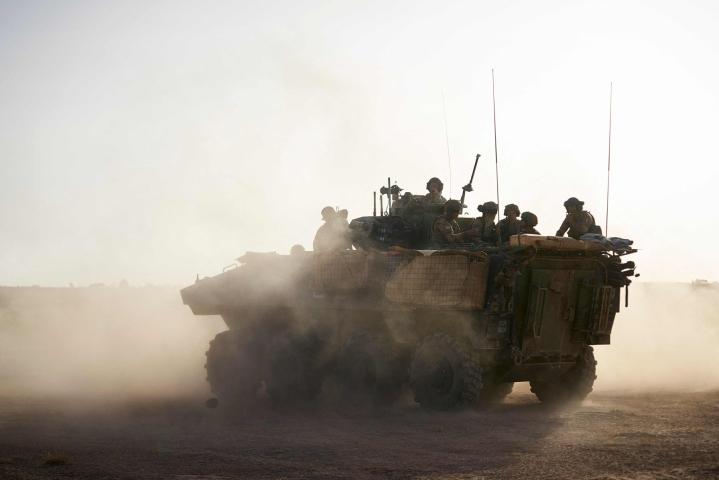 Saharan eteläpuolisen Länsi-Afrikan Sahelin alueen jihadistikapina on jatkunut jo yhdeksän vuotta. Ranskan joukot partioivat Burkina Fasossa Malin ja Nigerin rajaseudulla marraskuussa 2019. LEHTIKUVA/AFP