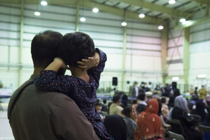 Puolustusministeriö ilmoitti lauantaina illansuussa suomalaissotilaiden aloittaneen tehtävässään Kabulin lentokentällä. LEHTIKUVA / AFP