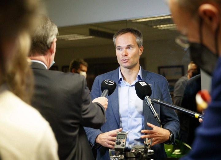 Hallituksen talouspolitiikka sai kokoomuksen eduskuntaryhmän puheenjohtajalta Kai Mykkäseltä täyslaidallisen tiistain alkajaisiksi puolueen eduskuntaryhmän kesäkokouksessa Tampereella.