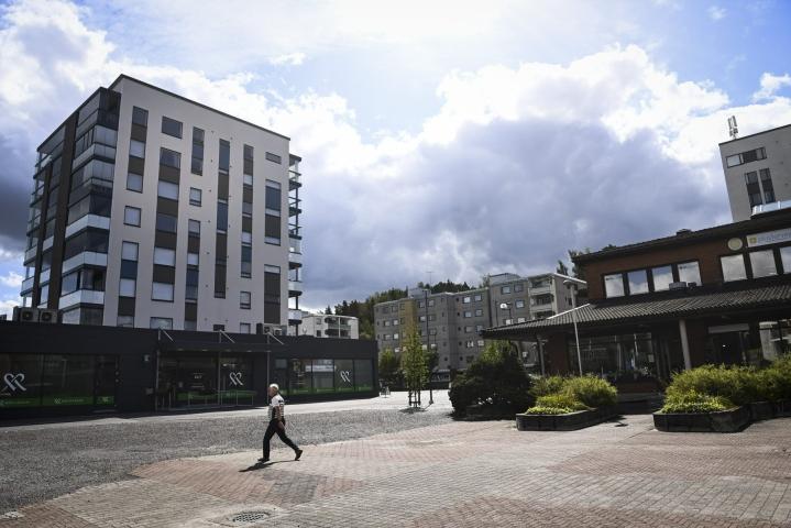 Suurten kaupunkien kehysalueet ovat nyt kasvaneet paljon enemmän kuin ennen koronakriisiä. Suomen sisäisen muuttoliikenteen voittajiin lukeutuu muun muassa Kaarina. LEHTIKUVA / EMMI KORHONEN