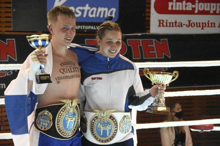 Akseli Saurama vei ammattilaisten EM-tittelin ja seuratoveri Jenna Puurunen pro-MM-tittelin viime marraskuussa Järvenpäässä.