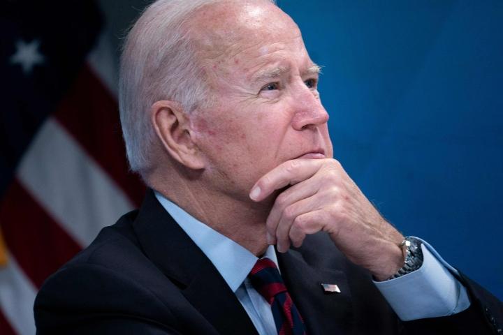 Yhdysvaltain presidentti Joe Biden aikoo kommentoida paikallista aikaa tiistaina yhdysvaltalaisjoukkojen lopullista lähtöä Afganistanista.