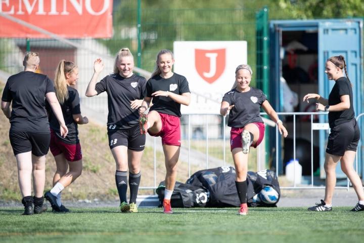 FC Hertta pelaa tulevana viikonloppuna tärkeät kotiottelut Joensuussa. Karjalaisen livelähetyksestä on mahdollista seurata sunnuntain koitosta.