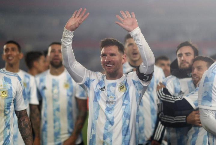 Argentiinan Lionel Messi vastasi Bolivia-ottelussa joukkueensa kaikista täysosumista. LEHTIKUVA/AFP