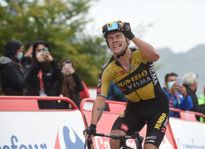 Roglic on kolmas ajaja, joka on kyennyt voittamaan Vueltan kolmesti peräkkäin. Lehtikuva/AFP